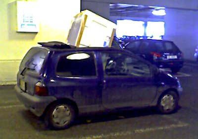 Car with refrigerator through the sunroof